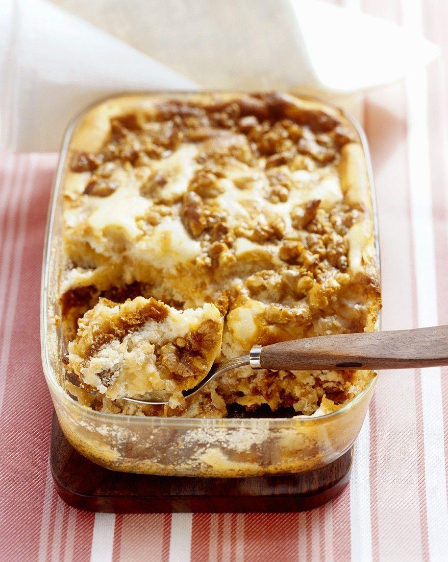 Honingkoek schotel met appelen en noten