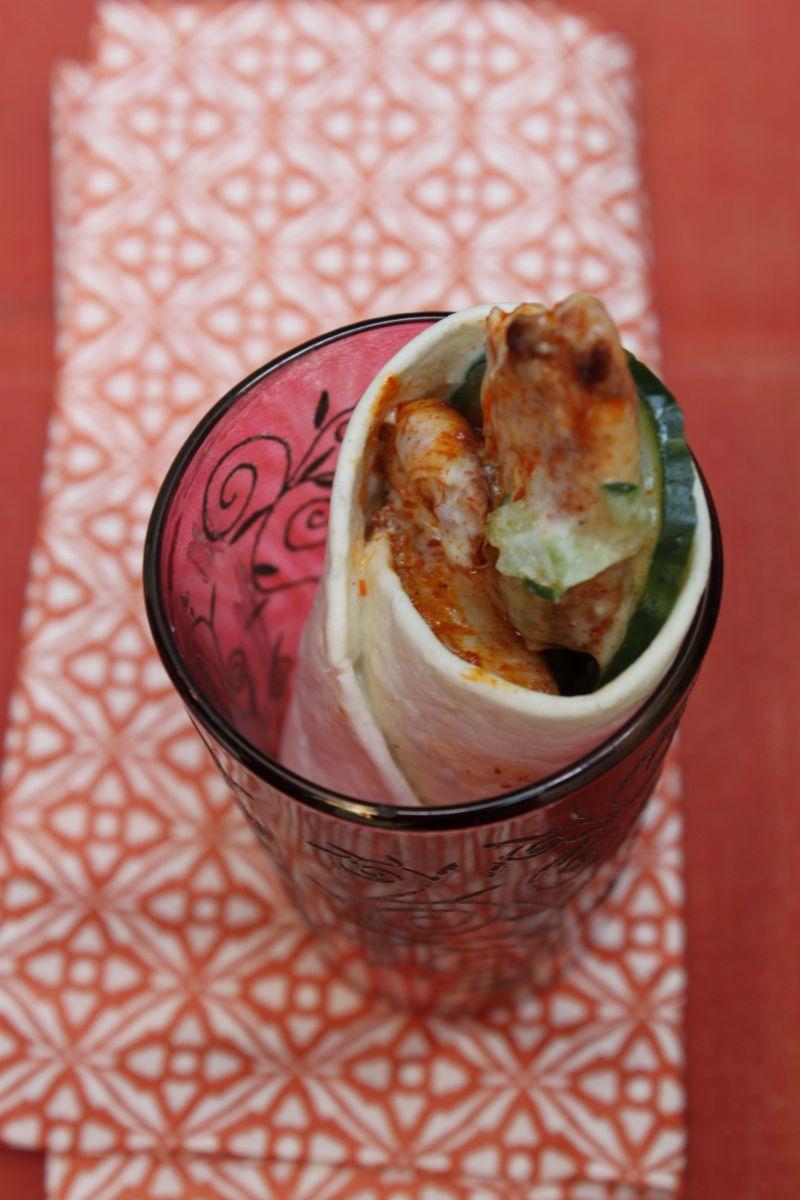 Wrap met kip tandoori en raita van komkommer