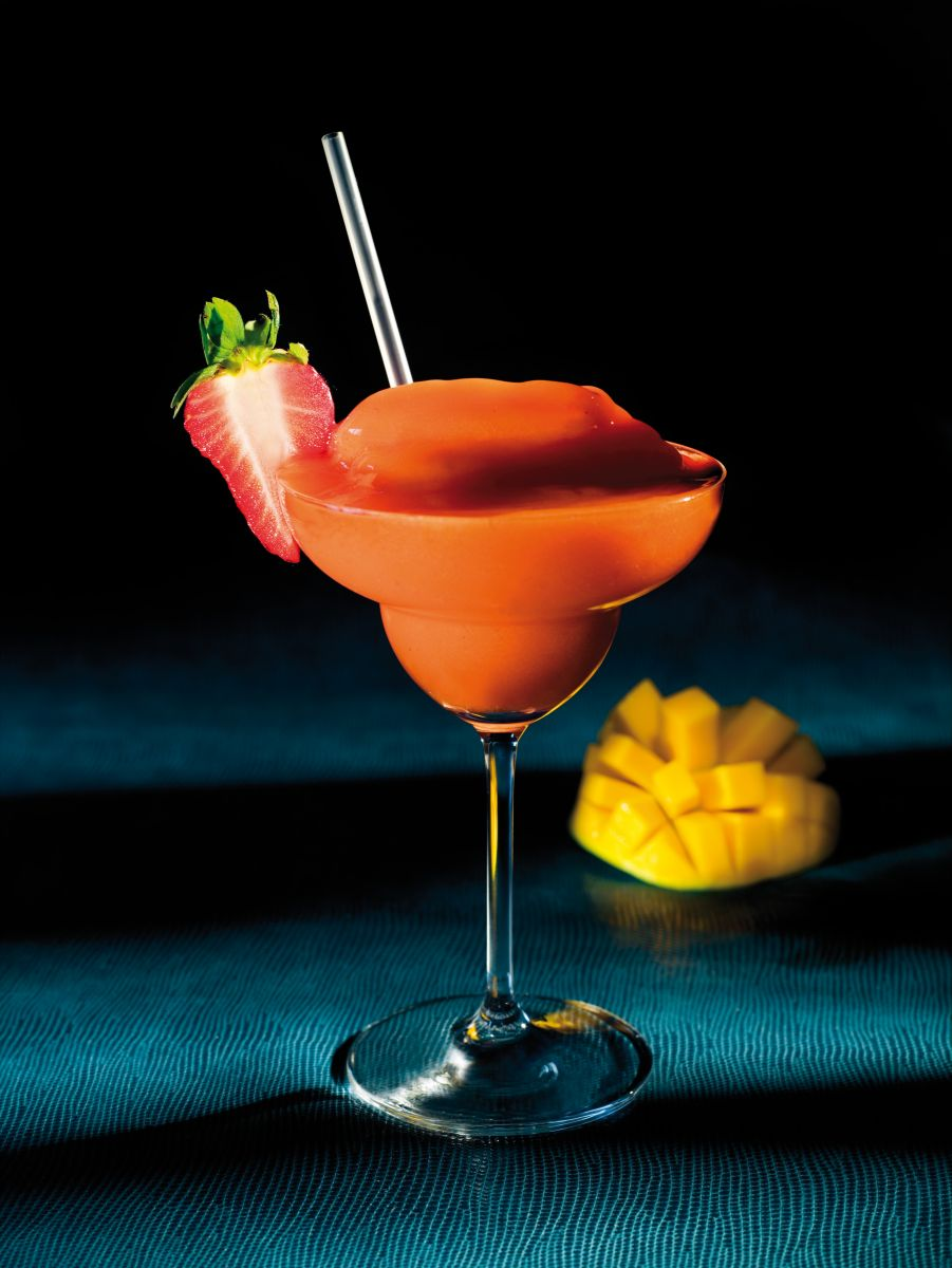 Frozen strawberry mango daiquiri