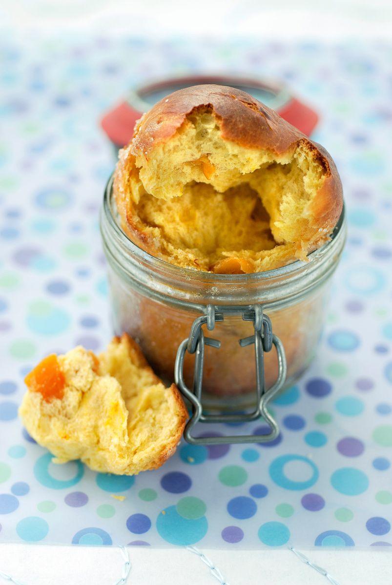 Brioche met saffraan en abrikozen