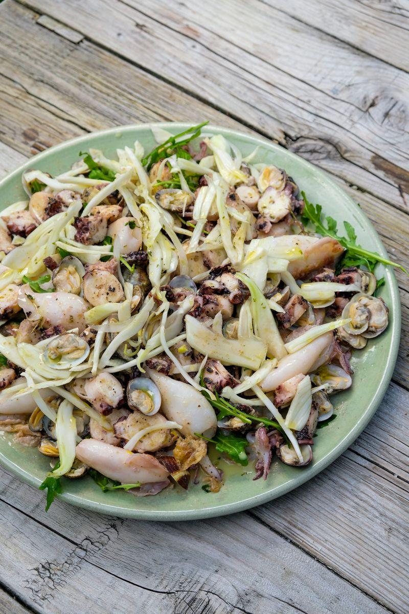 Salade met zeevruchten en venkel