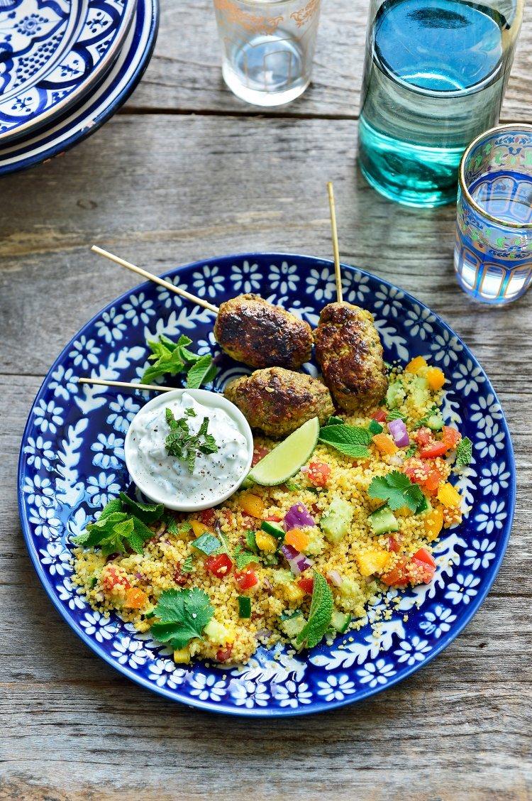 Köfte met couscous en tzatziki