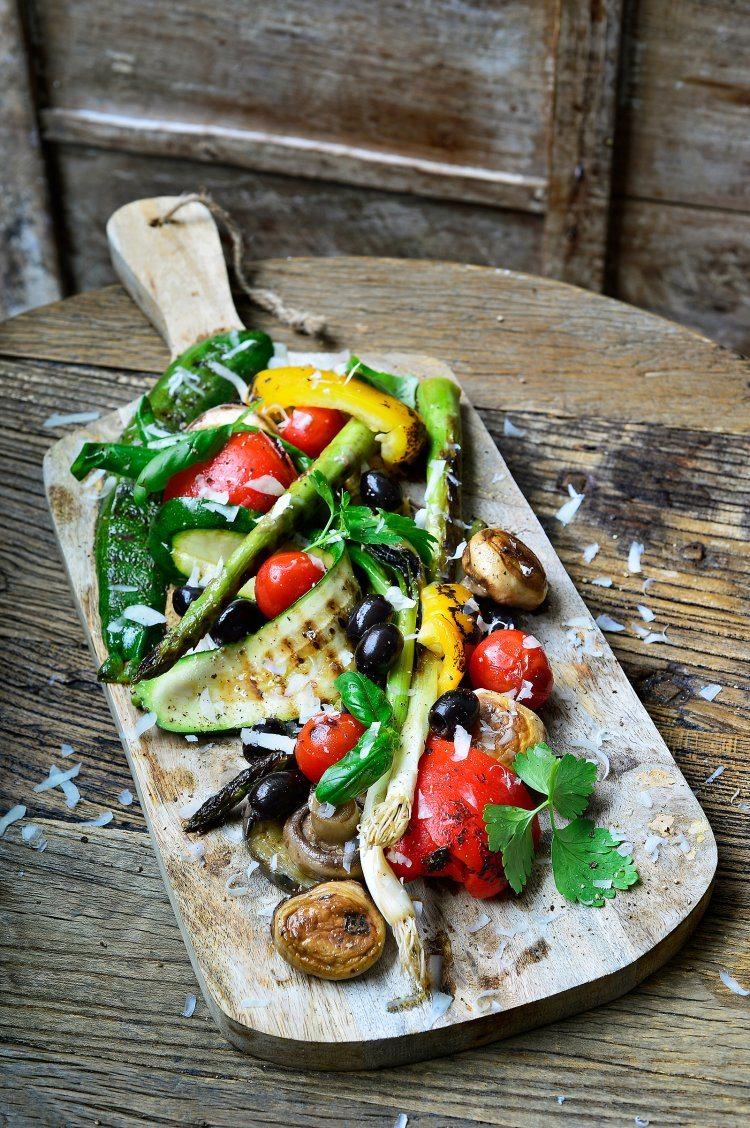 Gegrilde groenten op de barbecue