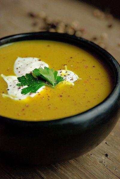 Indiase aardappel en ui soep