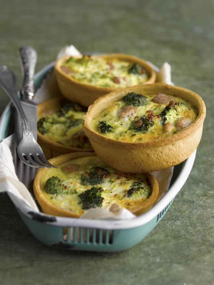 Quiches met broccoli en tonijn