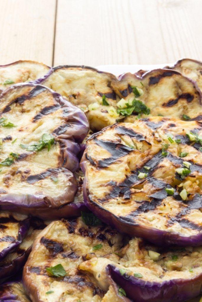 Carpaccio met gegrilde aubergine en mozzarella