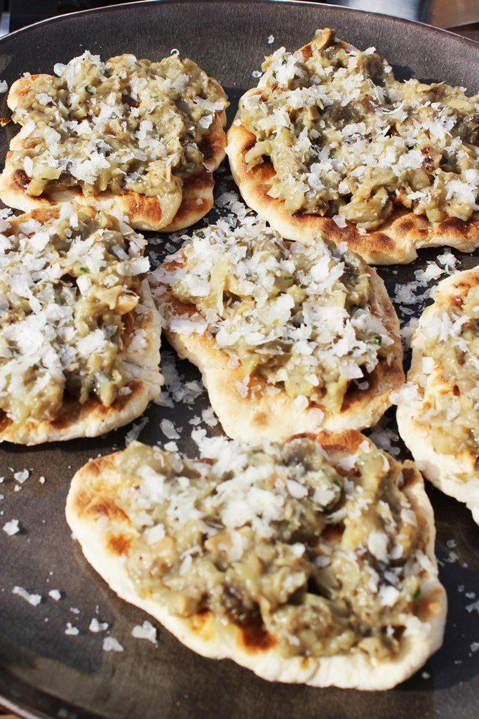 Mini-pizza's met auberginekaviaar