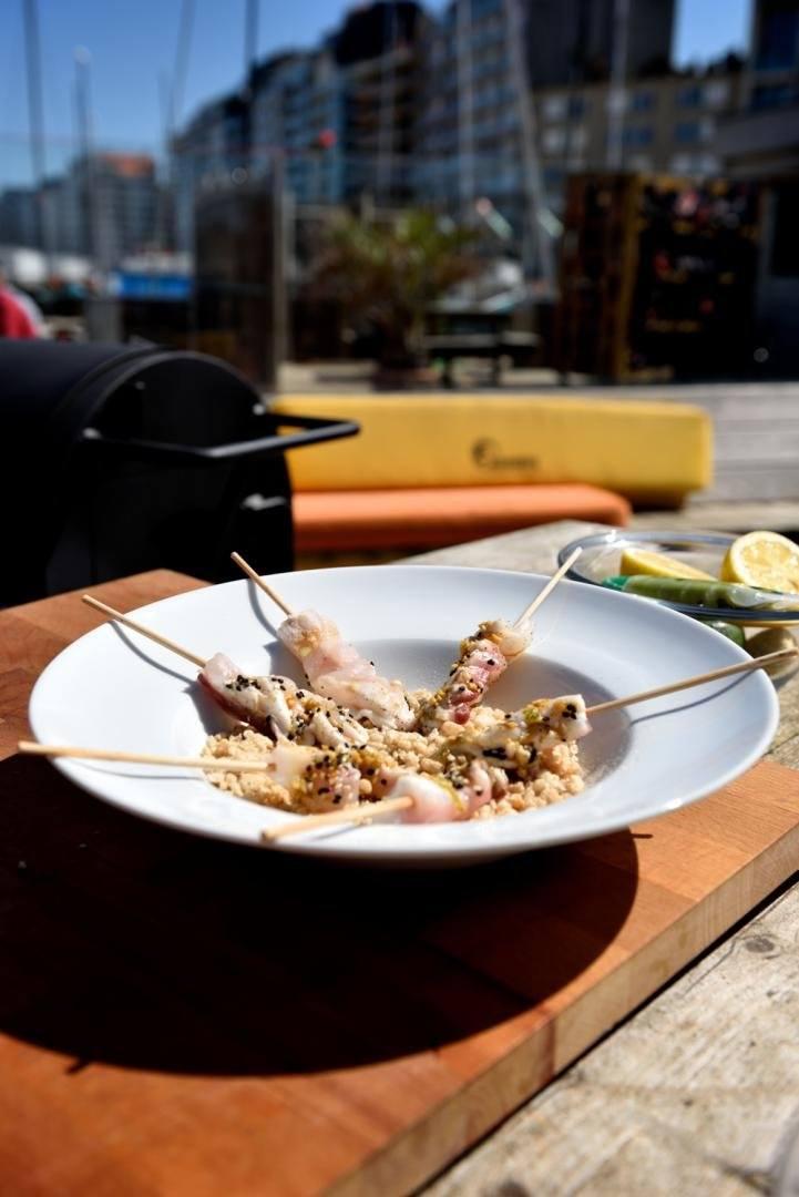 Zeebaars met gepofte rijst