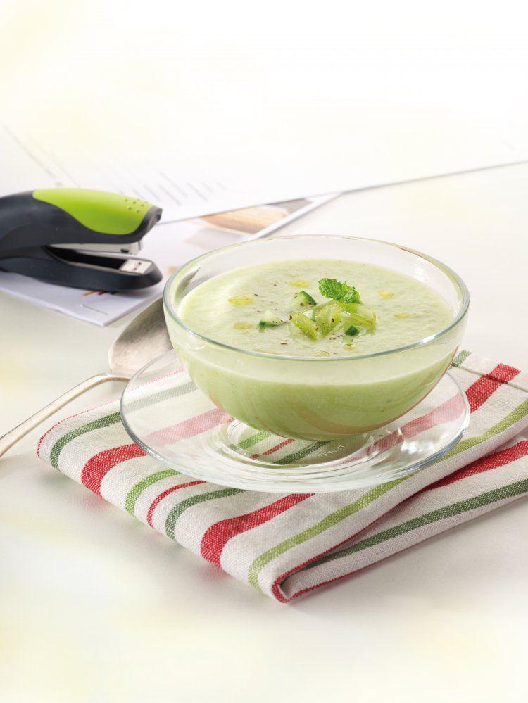 Groene gazpacho met amandelen