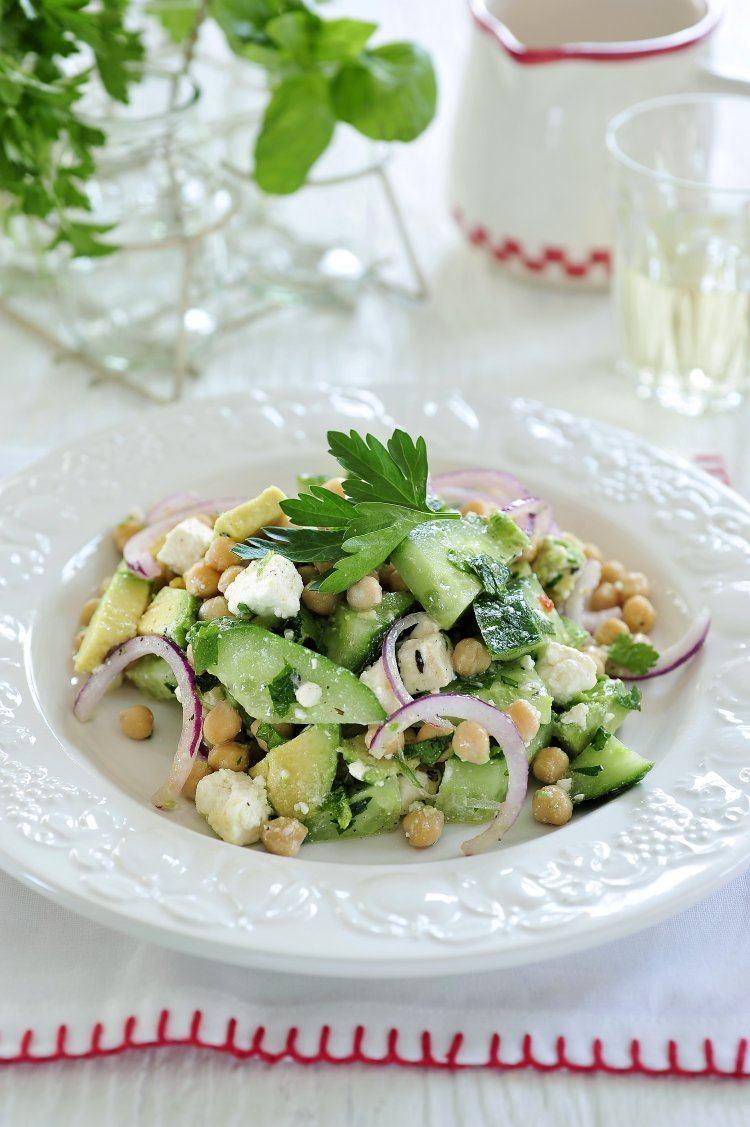 Salade van kikkererwten en feta
