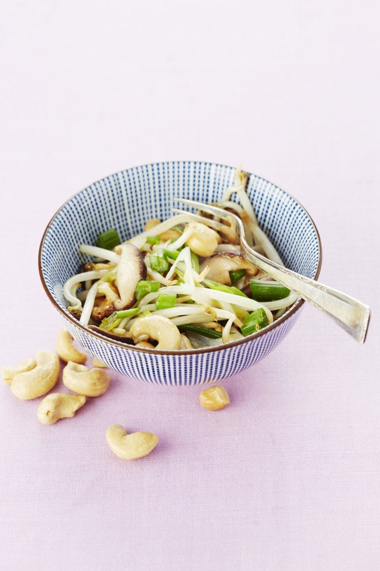 Gewokte groenten met cashewnoten