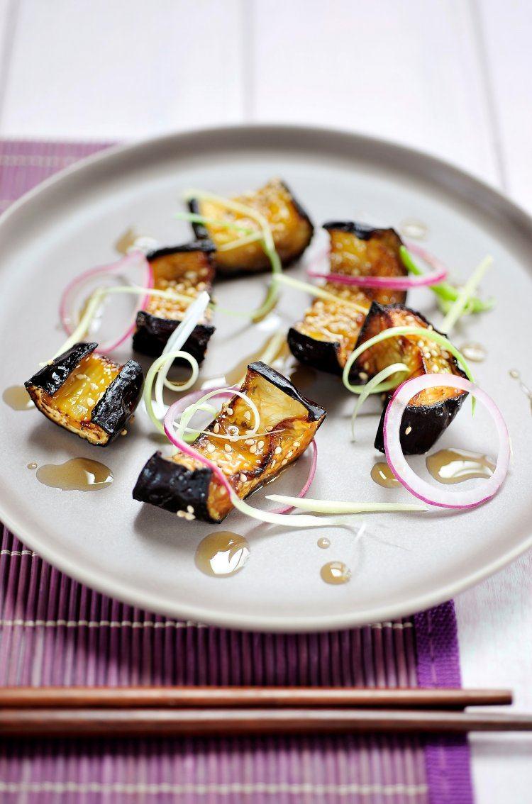 Gelakte aubergine met miso & sesam