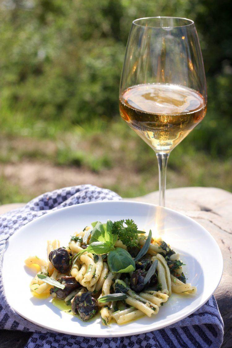 Pasta met escargots en fijne kruiden