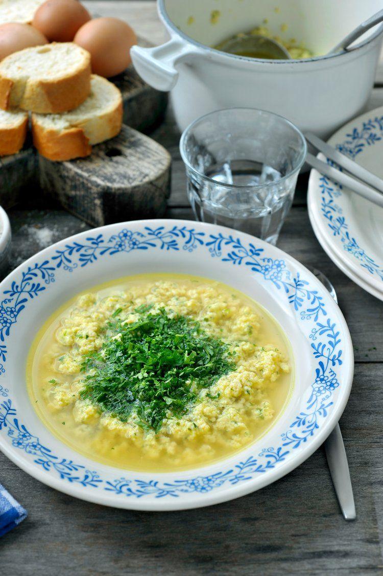 Italiaanse kippensoep met eieren en kaas