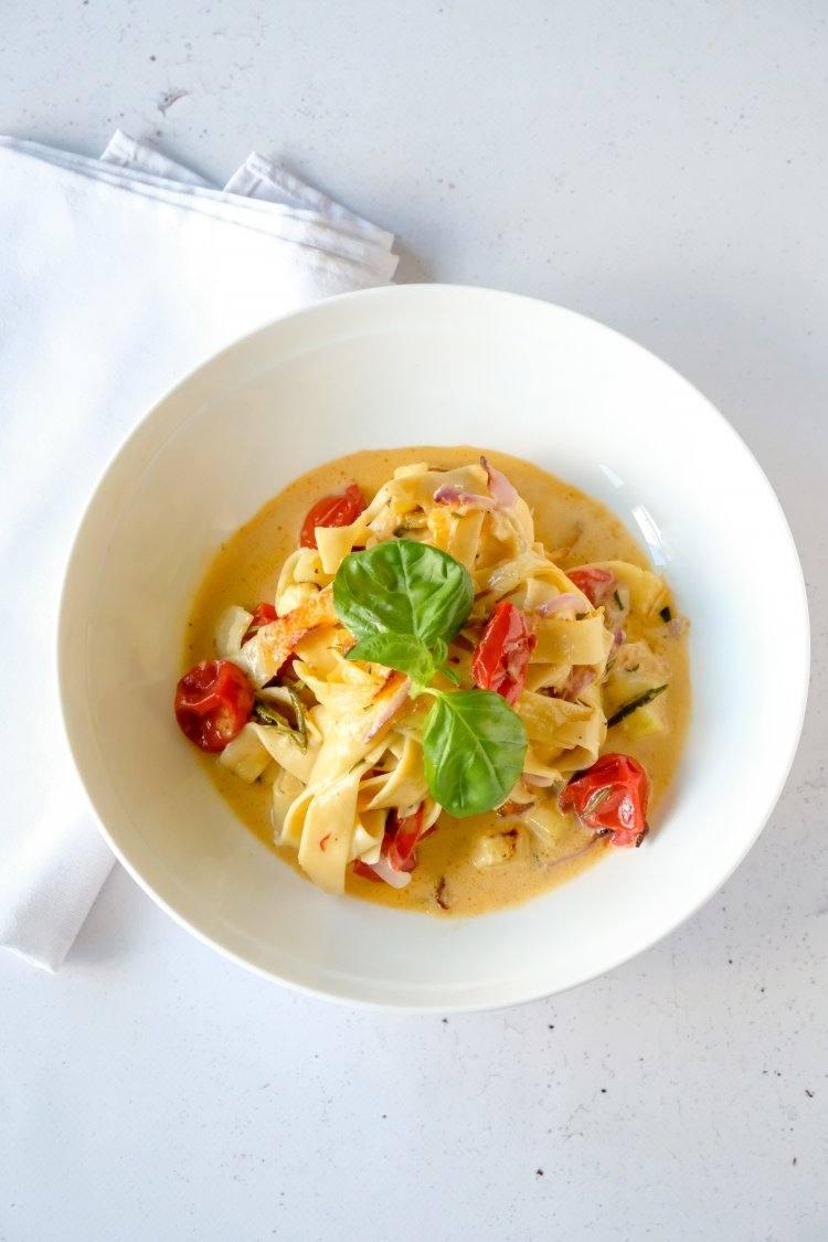 Gegratineerde pasta met courgette