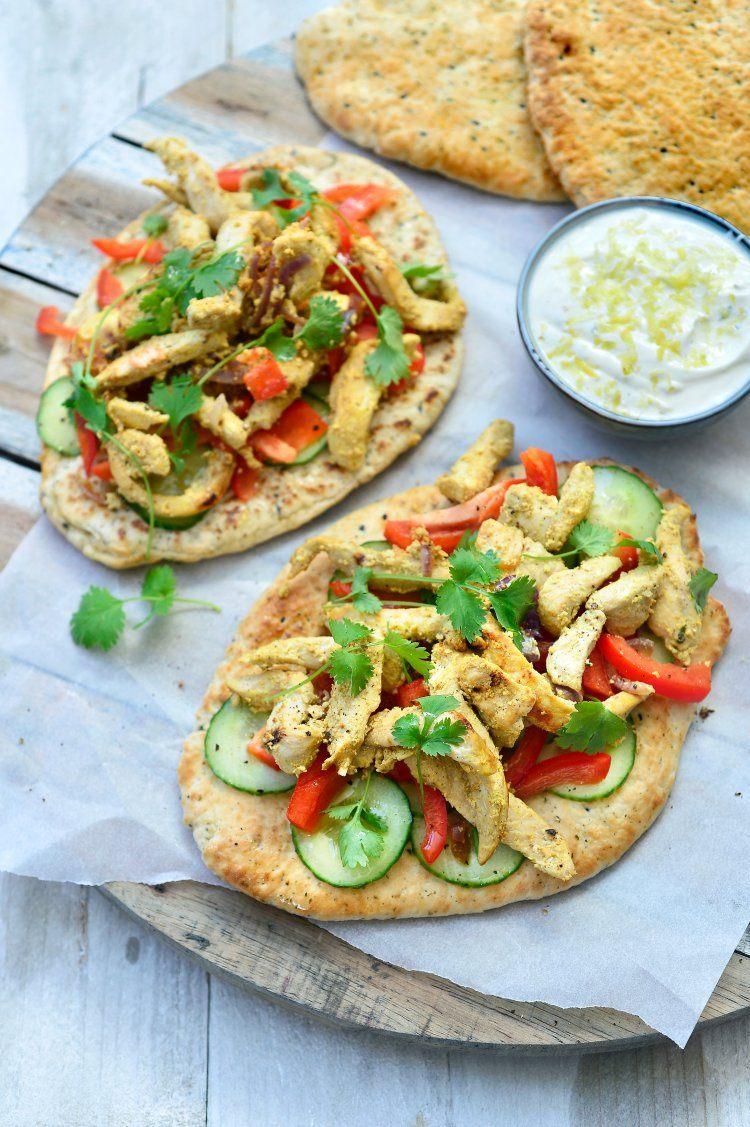 Indiase kip met groentjes en naanbrood